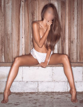 View Lily,  Escort Prague Tel: +420775062796