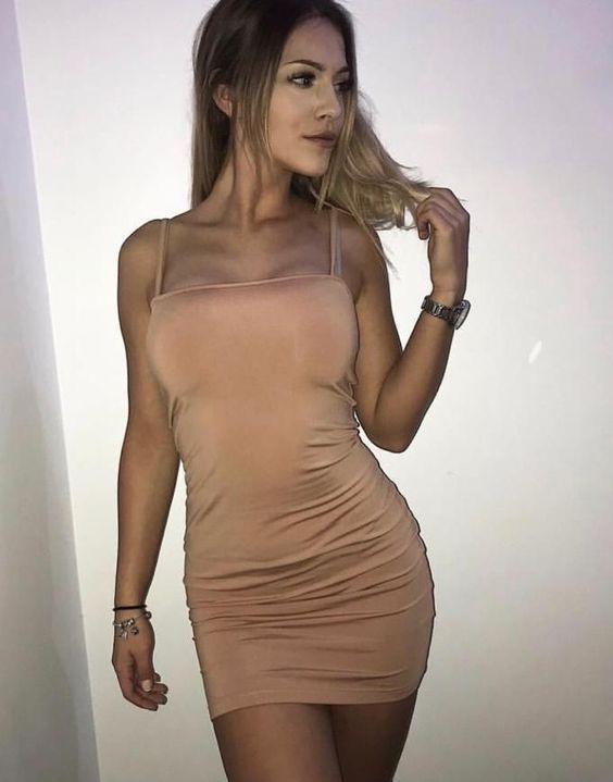 Photo 2 / 3 of Sexy Isabel