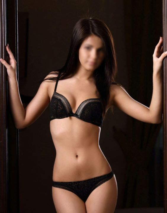 View Lilly, Independents Escort | Tel: +420 770 634 858